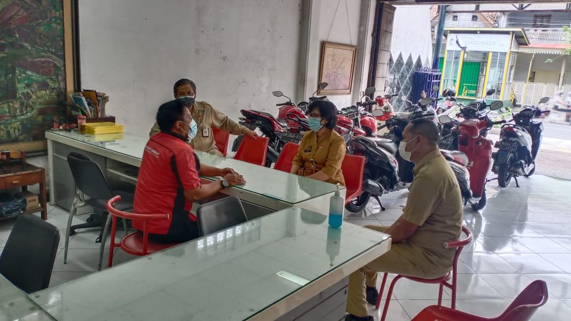 Monitoring Tempat Usaha Di Jalan Ahmad Dahlan Kemantren Ngampilan