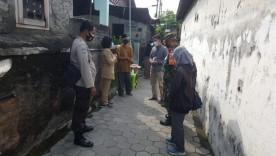Edukasi Prokes Dalam Kegiatan Takziah Di RW 05  Kelurahan Notoprajan
